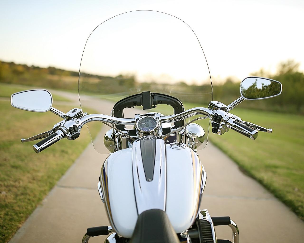 buying a motorcycle windscreen or wind shield wind screen